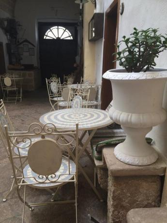 cortile del nostro Hotel medioevale a Matino