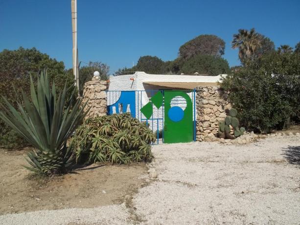 Ampio Giardino in Villaggio a Lampedusa