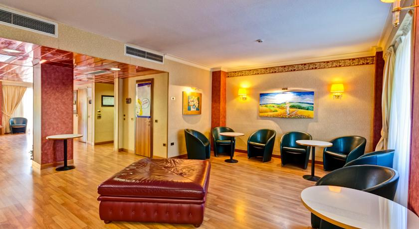 Hotel Norcia con Bar e Reception 24h