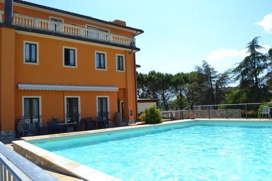 Area relax con piscina