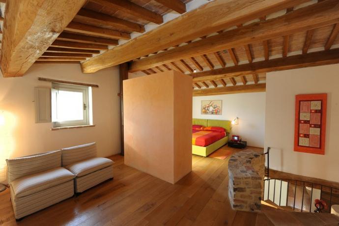 Villa in Umbria ampio salotto con divano letto