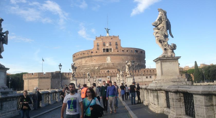 Camere vicino ai Monumenti di Roma