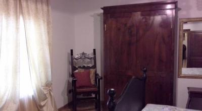 Arredamento d'epoca in villa Toscana