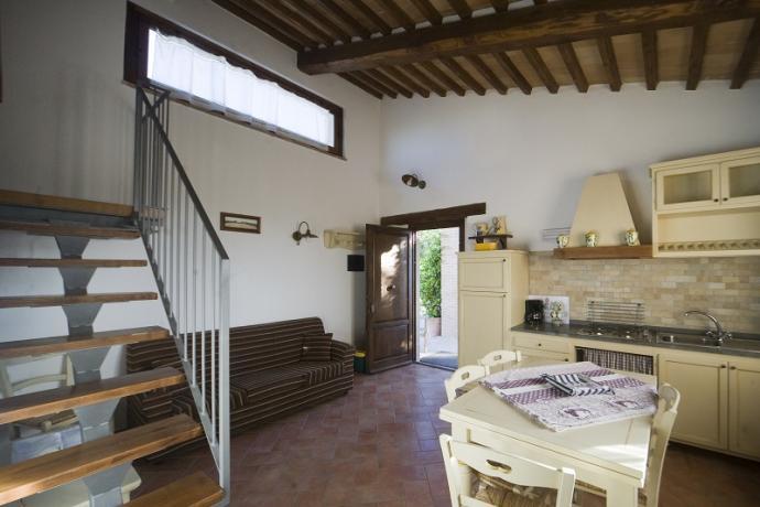 Ampia cucina attrezzata appartamenti Bolsena