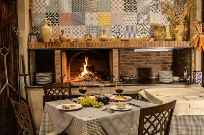 Ristorante in hotel3stelle con cucina siciliana-Caltagirone