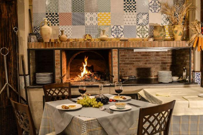 albergo3stelle-ottimo-ristorante-piscina-hotel-pomara-catania