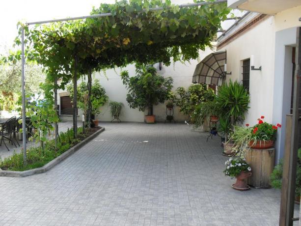 Veranda Esterna della Dependance a Montefalco