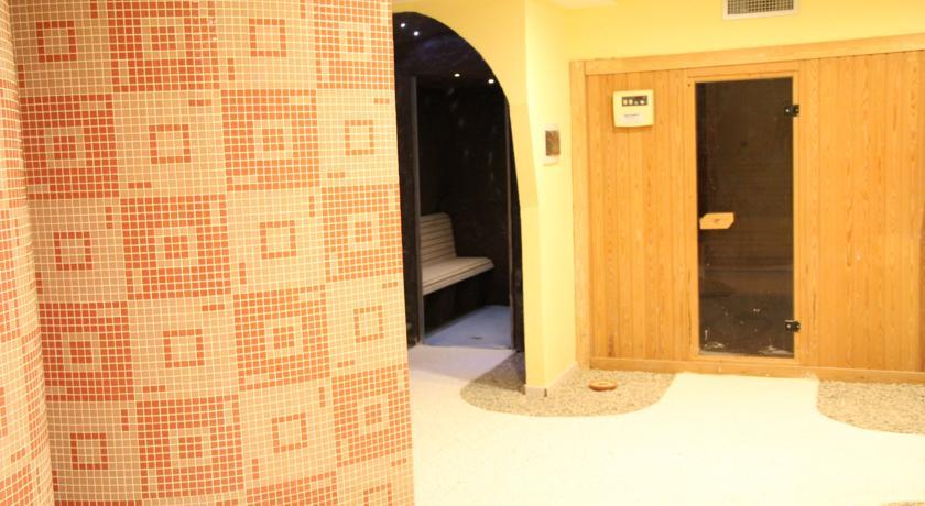 Resort con Ristorante Spa Termale e Piscina