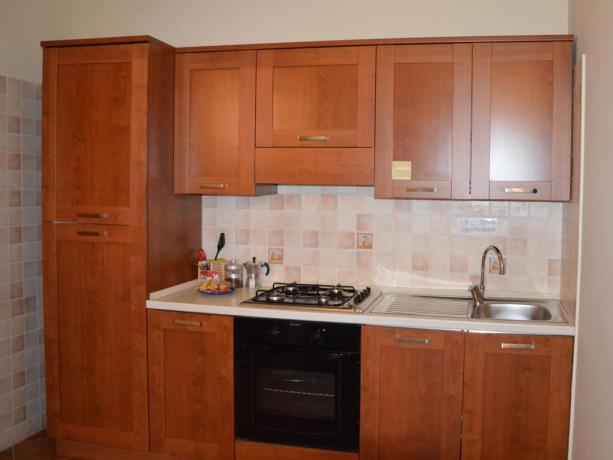 Cucina Bilocale 3 persone residence Ronciglione