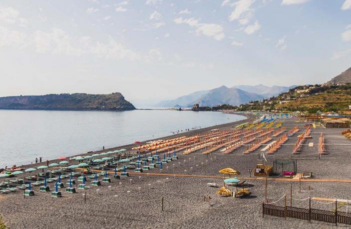 Balli di Gruppo in Spiagge Private-Arcella Village Navetta