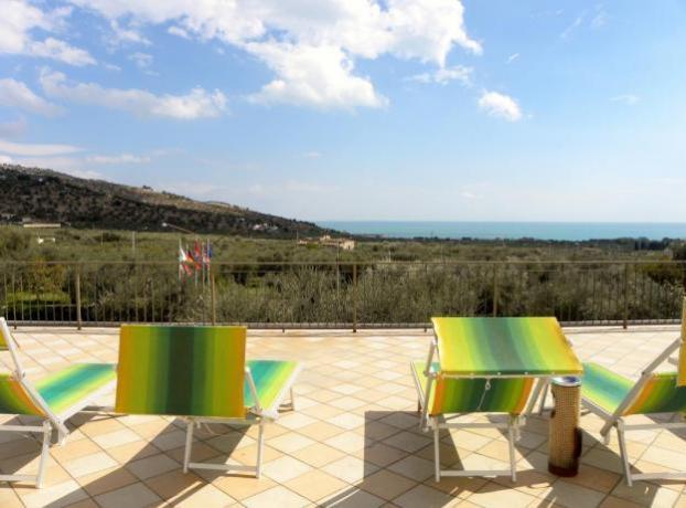 Hotel con Piscina e solarium Mattinata Puglia