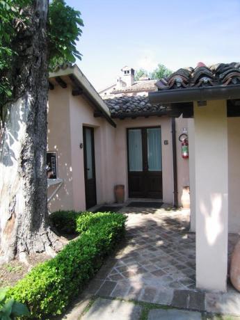 Appartamenti con piccolo portico in Umbria