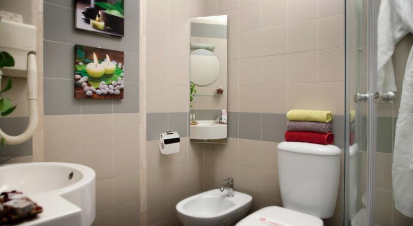 Camere con bagno privato Hotel Benessere a Bracciano