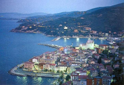 Porto Santo Stefano by night : hotels BB and accommodations