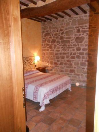 camera matrimoniale, appartamento vacanza, vicino Assisi
