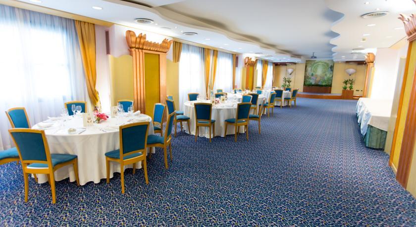 Hotel 4 stelle con Ristorante a Pomezia