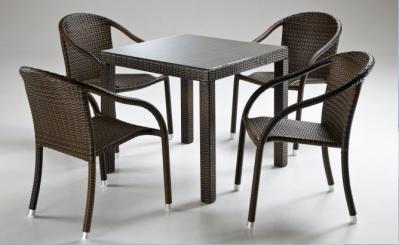 OFFERTA Tavoli e sedie Contract di Alta Qualità a prezzi da ingrosso per Hotel, Bar, Ristoranti.