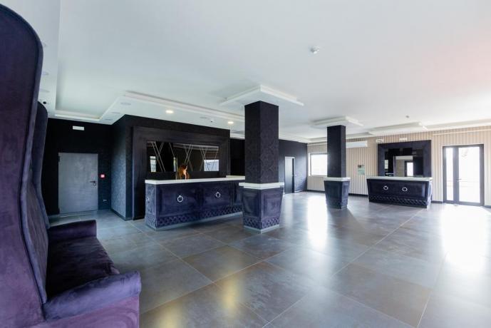 Hall albergo4stelle con suite e SPA Casapulla-Caserta