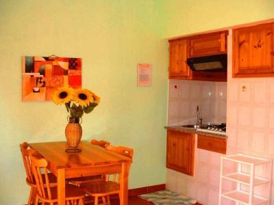 hotel con appartamenti vicino Piscinas