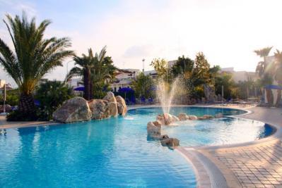 Villaggio in puglia piscina per bambini