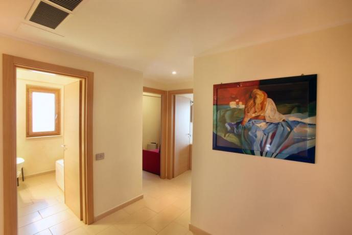 Camera moderna con bagno albergo in Calabria