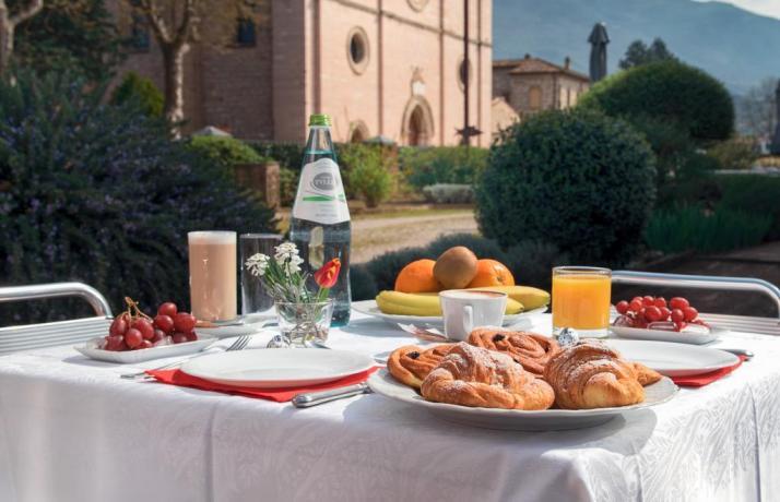 Vicino Assisi-Country House Assisana con Piscina-Idromassaggio