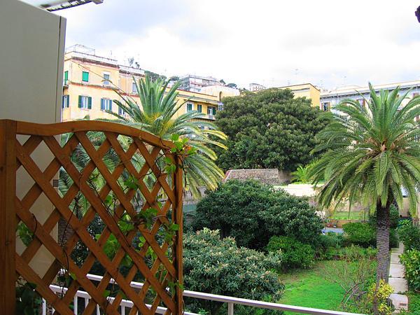 Camere e Prima Colazione con Giardino a Napoli
