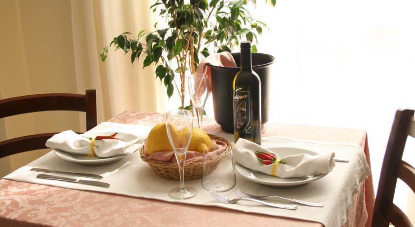 Sala ristorante Residence a S.Maria del Cedro
