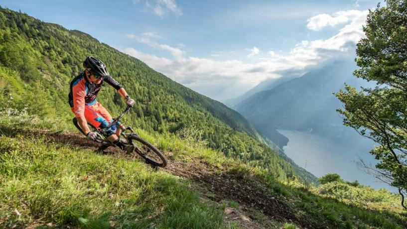 Hotel Molveno con escursioni disponibili mountain bike