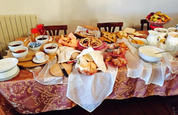 Ampia cucina ben attrezzata, Casale, Livorno