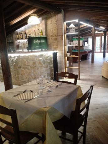 Resort in centro Italia con ristorante rustico