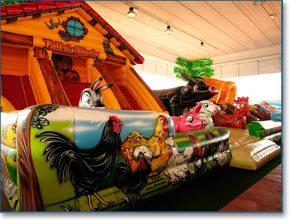 Inflatable Attractions for small children in Naples