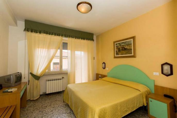 Camera Matrimoniale Hotel vicino al mare Viareggio