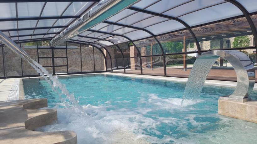 Idromassaggio piscina coperta con acqua salata la Campagna
