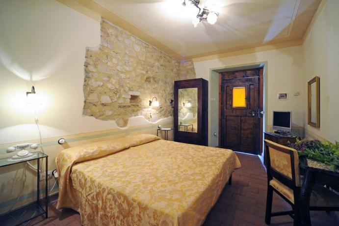 Camera Matrimoniale Antica Residenza in Umbria