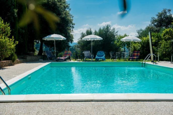 Agriturismo tra Lago Trasimeno e Perugia: Piscina