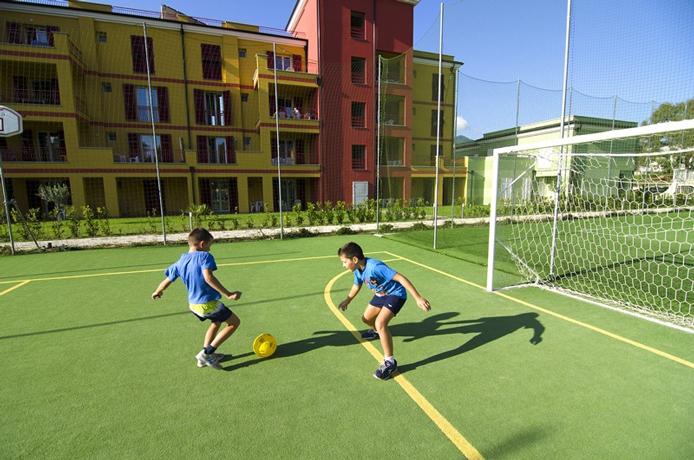 Villaggio con Campi da Calcio a Loano