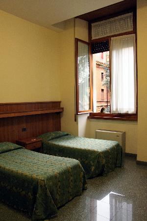 Camera doppia con letti singoli Casa a Roma