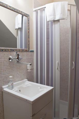 Bagno privato in camera matrimoniale Gaeta