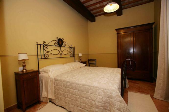 Appartamenti vacanza a Foligno con camera matrimoniale
