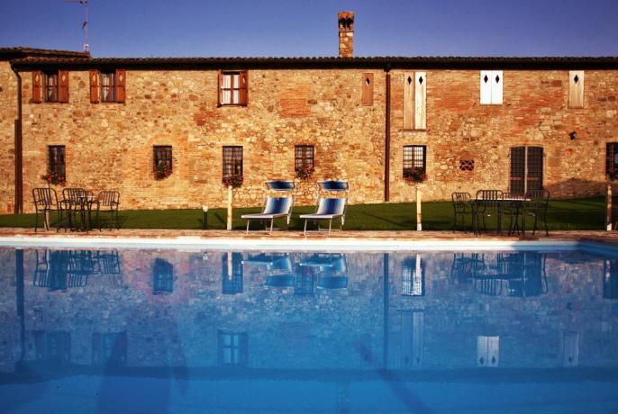 Casale per Vacanza con Piscina a Todi