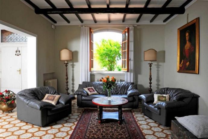 Soggiorno zona relax in villa in Umbria