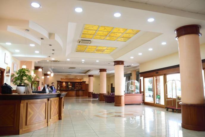 Hall Hotel 4 Stelle la Reggia di Caserta