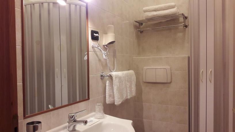 Camera Matrimoniale con Bagno Privato