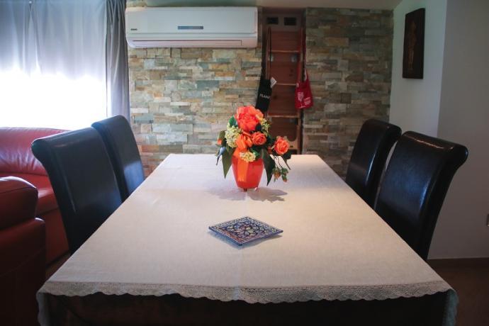 suite guttuso tavolo del soggiorno