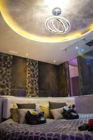 Suite di lusso con elementi di design