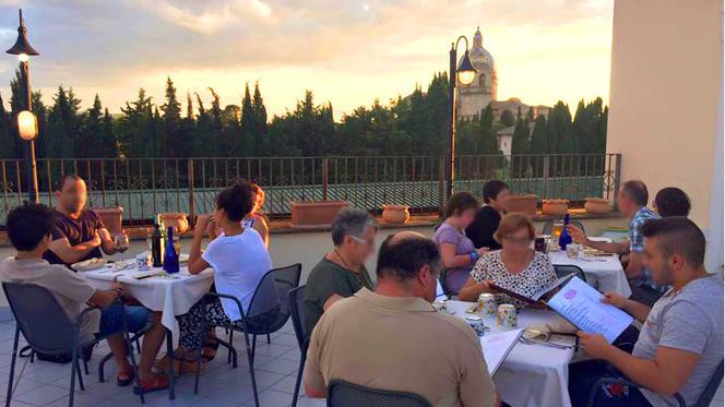 Ristorante Pizzeria con vista su Assisi