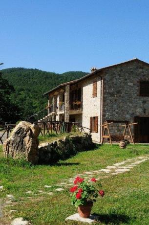 Appartamenti vacanza e ampio giardino Umbria