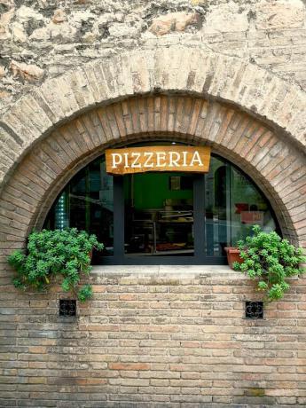 Hotel 3stelle con pizzeria centro città Assisi Umbria