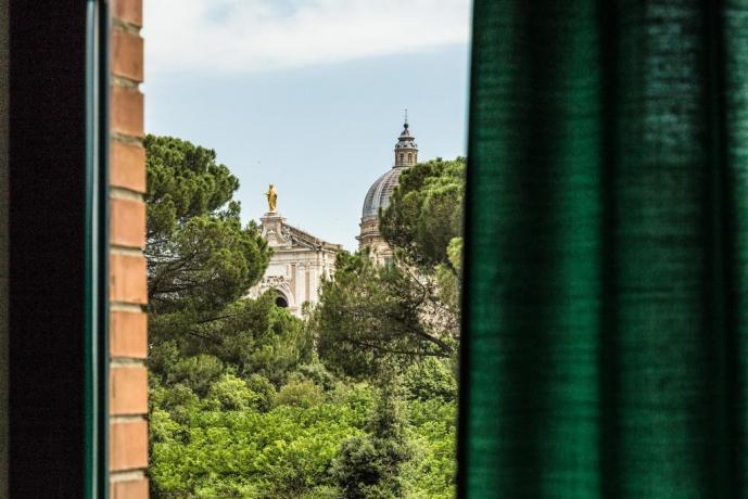 Hotel con camere vista sul Duomo di Santa-Maria-Basilica